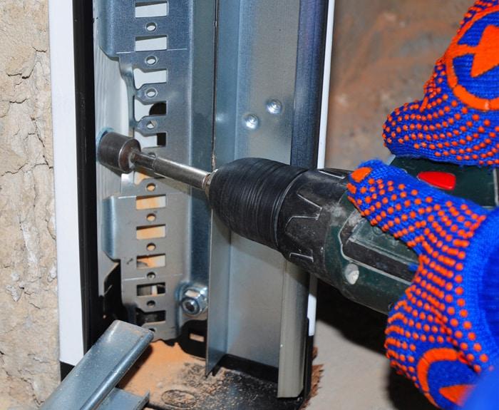garage-door-tracks-repair