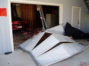 How to Make the Garage Door Storm Resistant