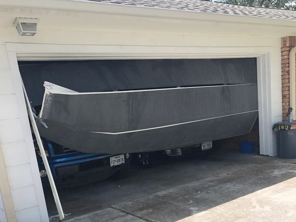 What to Do to Avoid Garage Door Damage due to a Hurricane