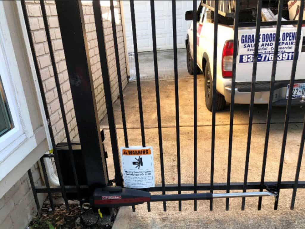 liftmaster_driveway_swing_gate_opener