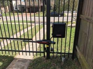 liftmaster_swing_driveway_gate_opener